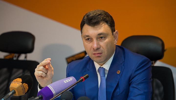 """Эдуард Шармазанов: Армении нужны принципиальные фигуры, а не политические """"гетеры"""""""